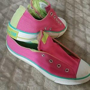 """Pink """"Shoreline"""" converse sneakers"""
